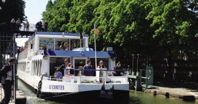 PARIS CANAL CANOTIER