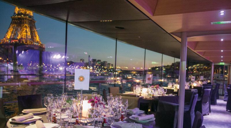 croisiere diner bateaux parisiens DR