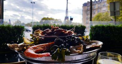 chez_francis coquillages et crustaces tour eiffel